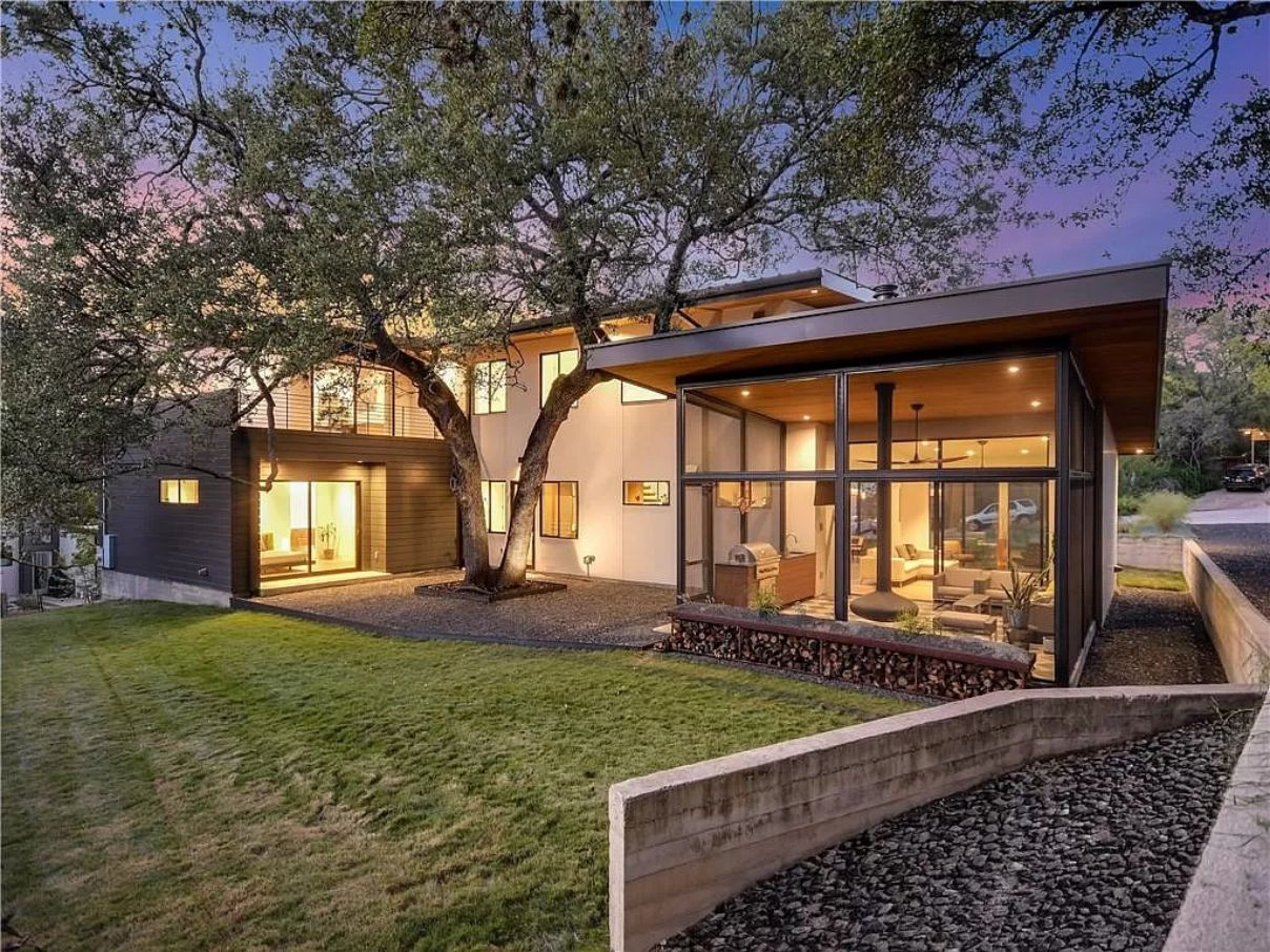 Incredible Craftsmanship in Austin Home are Selling for $2,250,000