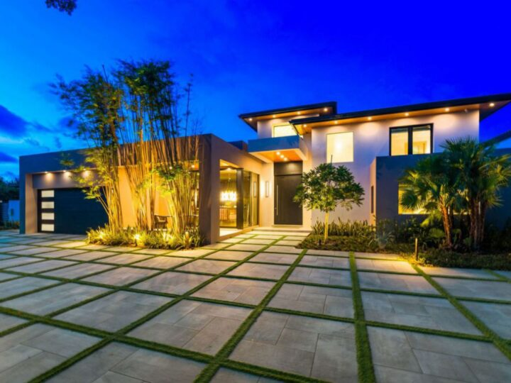 Inside A $7,950,000 Entertaining Modern Home for Sale in Fort Lauderdale