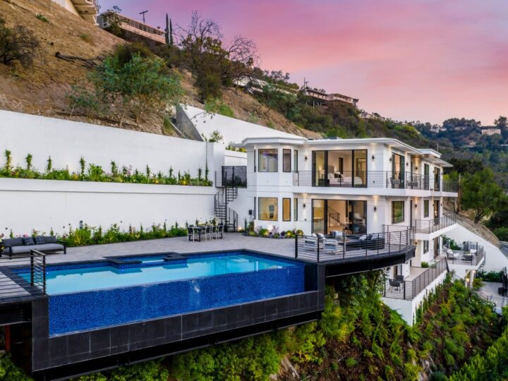 Living with Amazing Views in Sherman Oaks Home
