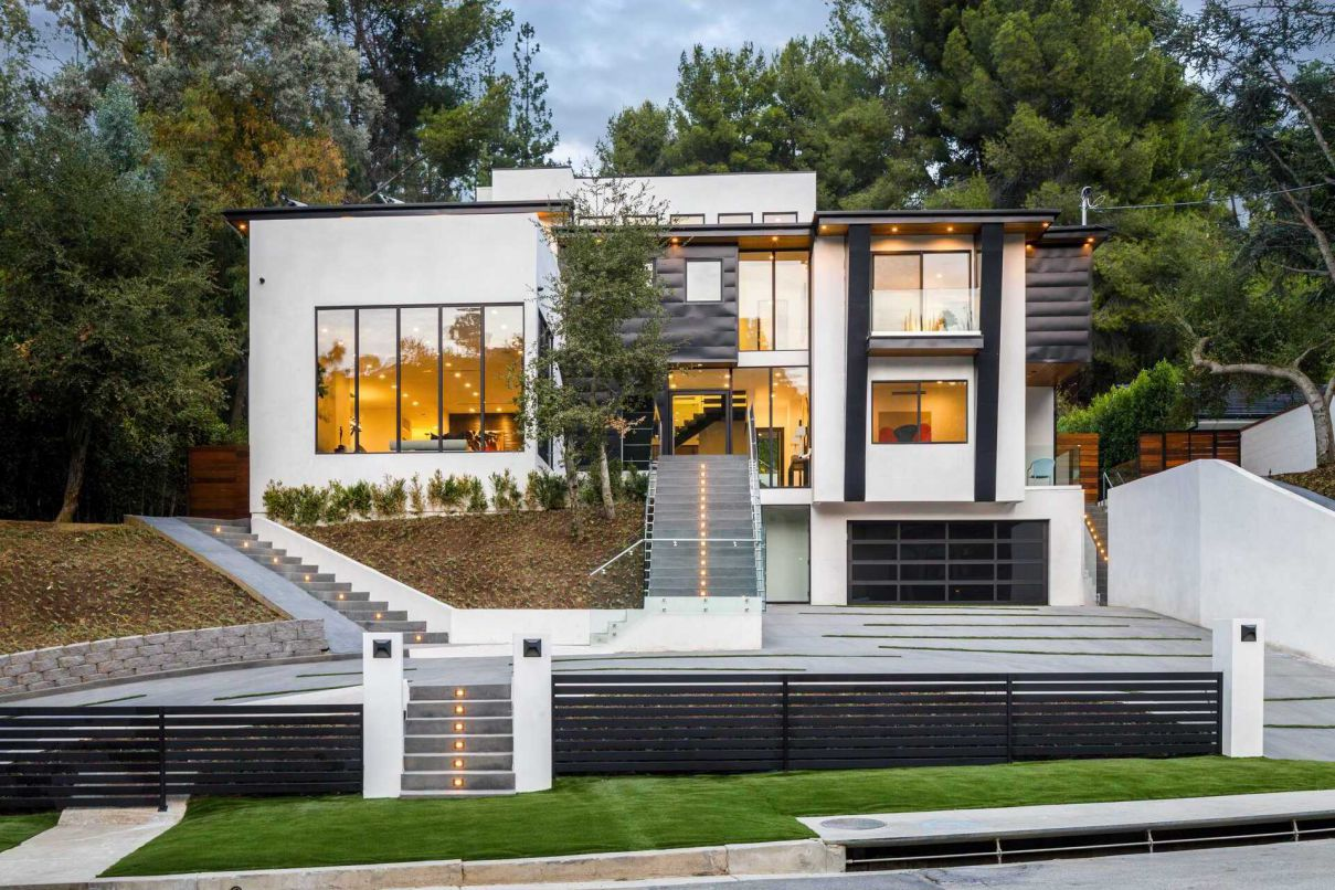 New Contemporary Architectural Home for Sale in Encino at $5,795,000