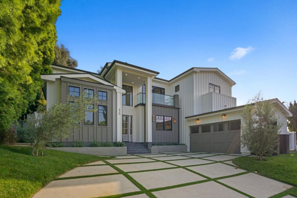 New Modern Farmhouse in Pacific Palisades