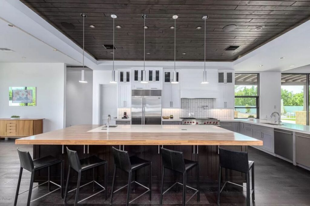 Private Hillside Home for Sale in Paradise Valley