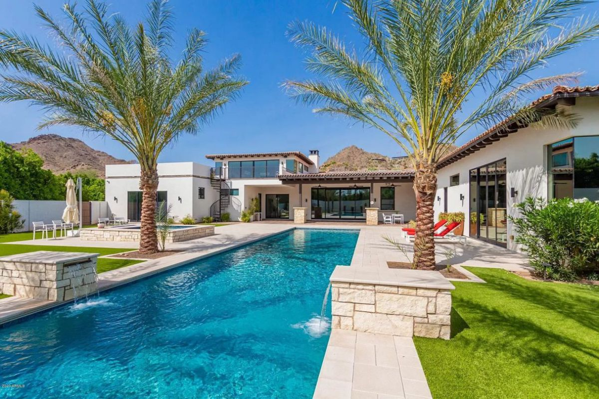 Outstanding $4,600,000 Private Hillside Home for Sale in Paradise Valley