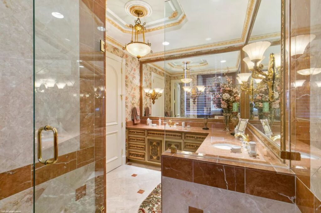Palm Beach Gardens Home for Sale Features Finest Finishes