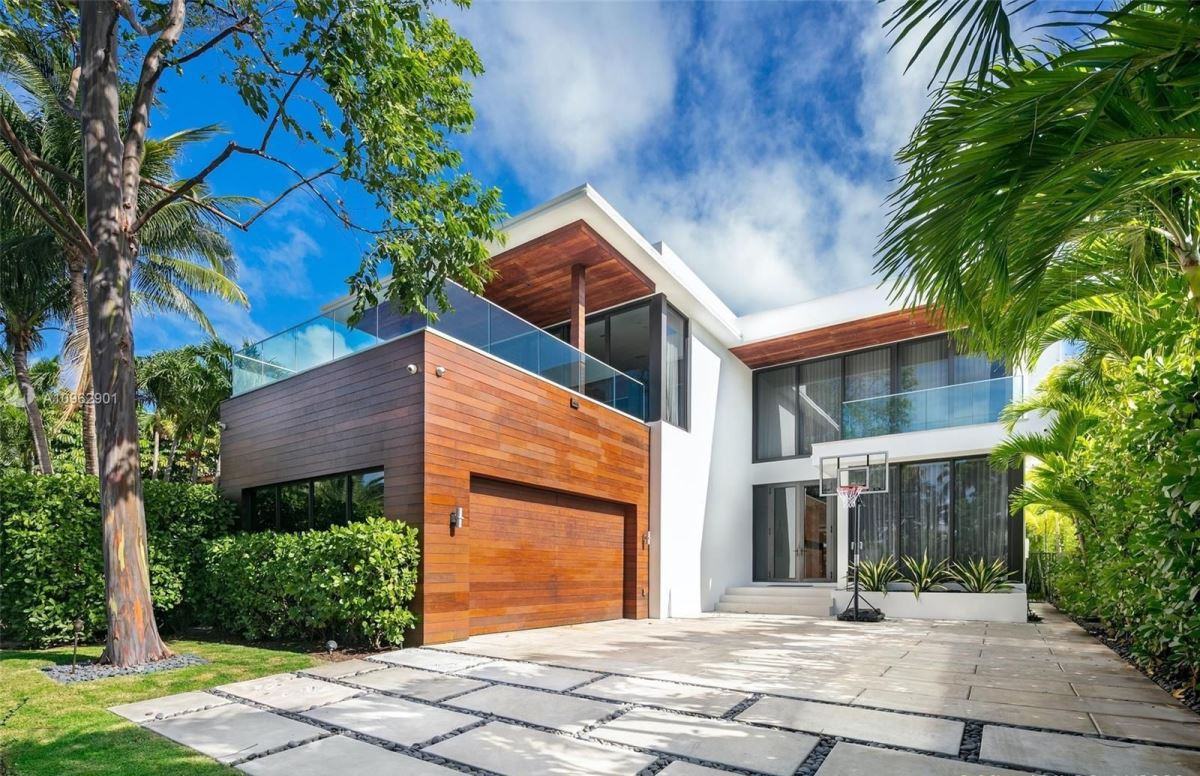 Perfectly Designed Modern Home in Miami Beach Sells for $6,499,000