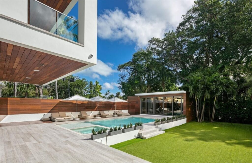 Perfectly Designed Modern Home in Miami Beach