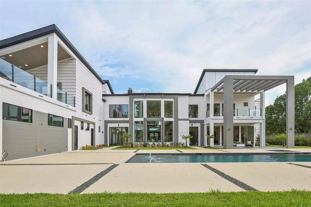 Preston Hollow Contemporary Home in Dallas