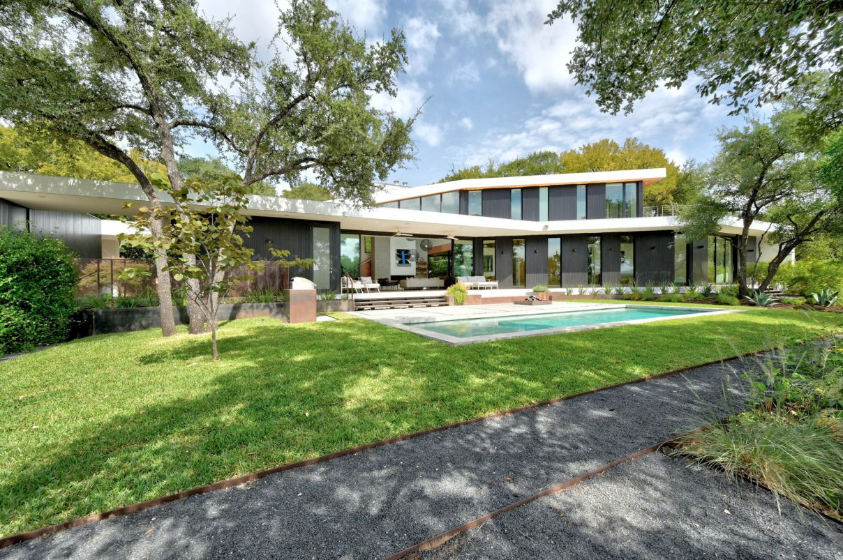 Sophisticated Modern House for Sale in Austin