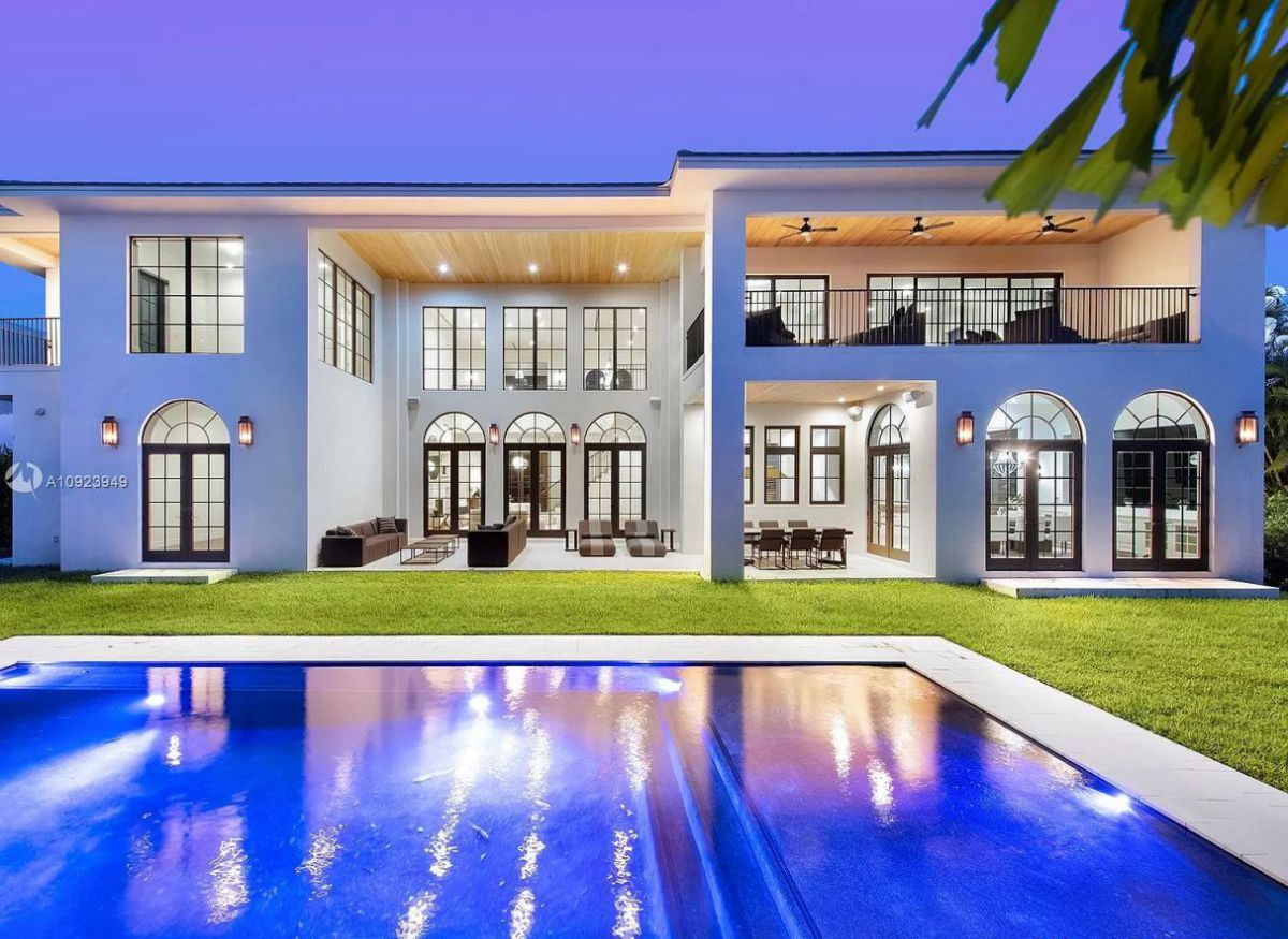 Stunning Waterfront Home in Hallandale Beach