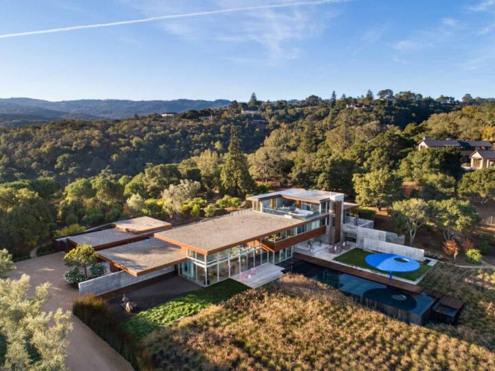 A $33,000,000 California Masterpiece offers Dramatic Architecture