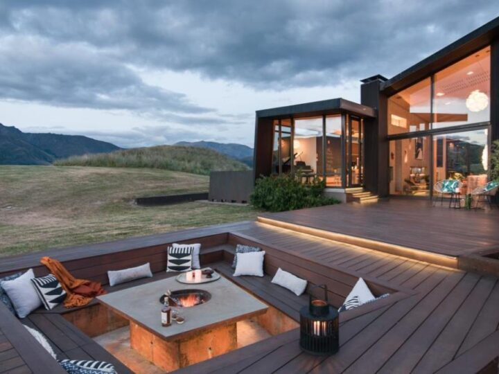 An Exceptional Contemporary Home in Lake Hayes, New Zealand