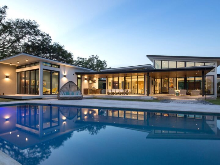 Pinecrest Contemporary Home in Florida by SDH Studio