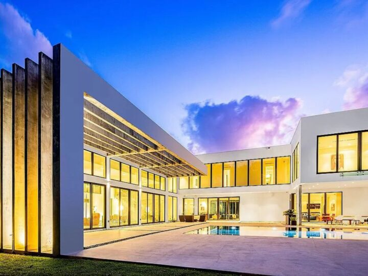 Ponce De Leon Residence by Kobi Karp Architecture and Interior Design