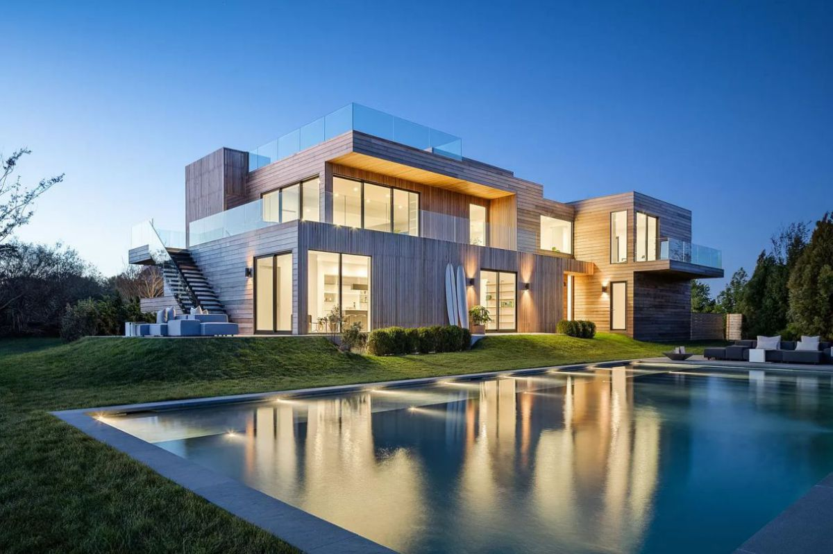 Stunning New Modern House in New York hits Market for $12,500,000