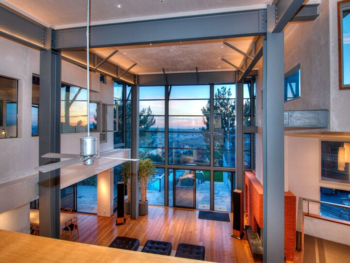 Modern Masterwork with  Unhindered Ocean View in Los Angeles, California