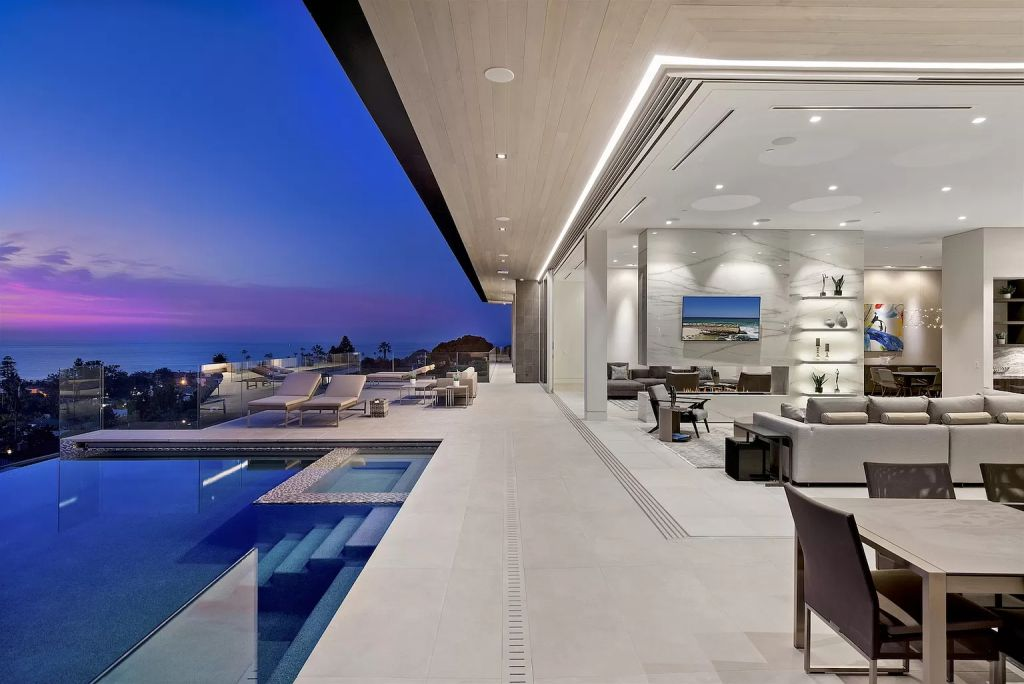 The La Jolla House is a dynamic shores contemporary residence offers high style, a gorgeous aesthetic, an energizing vitality now available for sale. This home located at 8436 Westway Dr, La Jolla, California