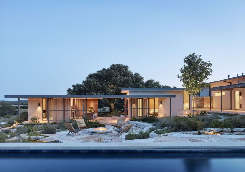 Beautiful River Ranch House in Texas by Jobe Corral Architects