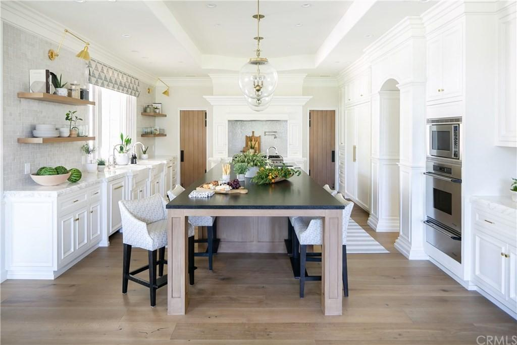 The Modern Farmhouse is one of the most charming homes in all of Orange County captures unparalleled elegance and remarkable California lifestyle now available for sale. This home located at 31781 Secoya Way, Coto De Caza, California; offering 6 bedrooms and 9 bathrooms with over 10,000 square feet of living spaces.