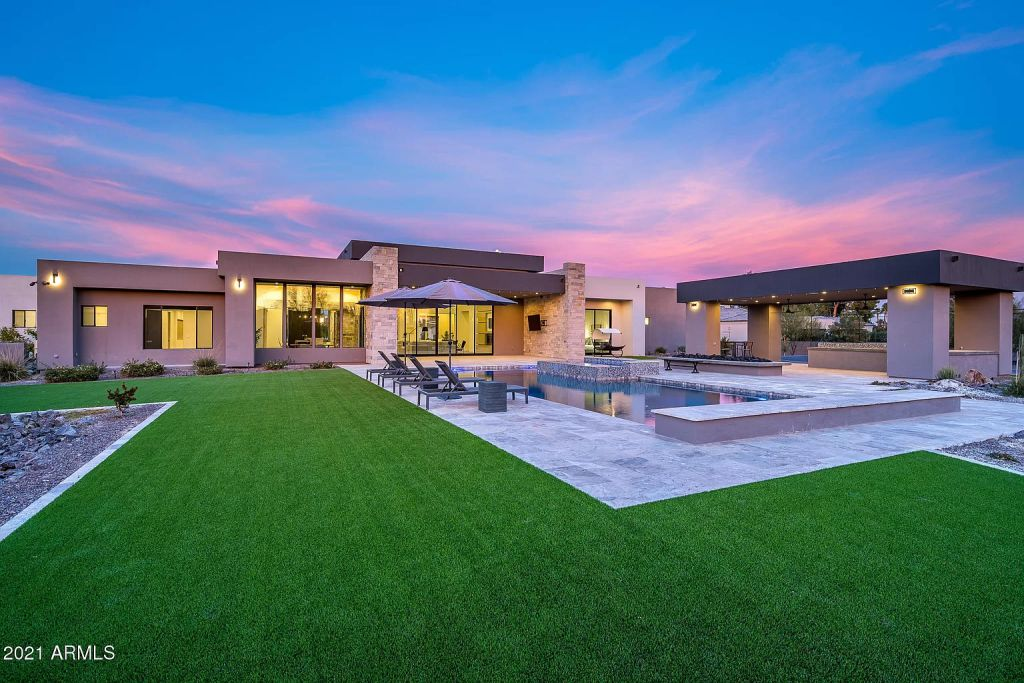Newly Modern Construction Home in Paradise Valley Seeks for $4,495,000