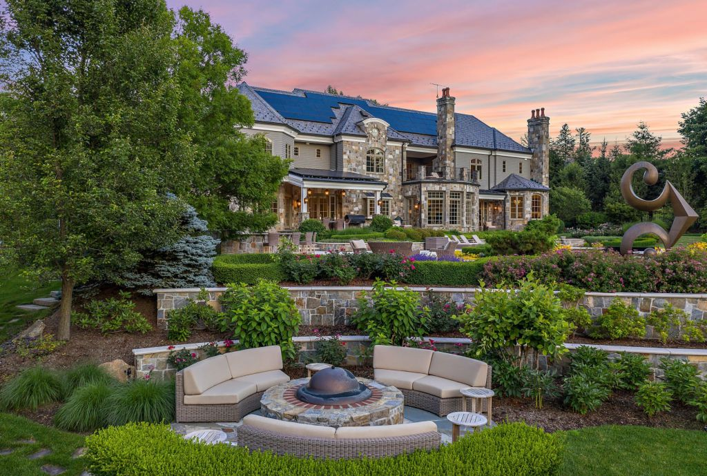 The New York Home is a luxurious property with extraordinary architectural details and exquisite formal gardens with fountains now available for sale. This home located at 55 Penwood Rd, Bedford Corners, New York; offering 6 bedrooms and 11 bathrooms with over 10,000 square feet of living spaces.