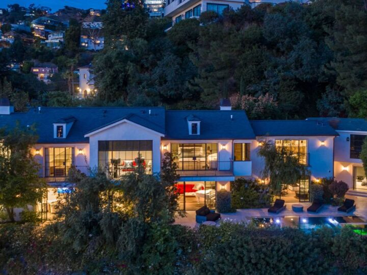 The Modern Farmhouse in Los Angeles is a private gated celebrity compound with large motor court in the Sunset Strip now available for sale. This home located at 1500 Forest Knoll Dr, Los Angeles, California; offering 5 bedrooms and 7 bathrooms with over 6,300 square feet of living spaces.