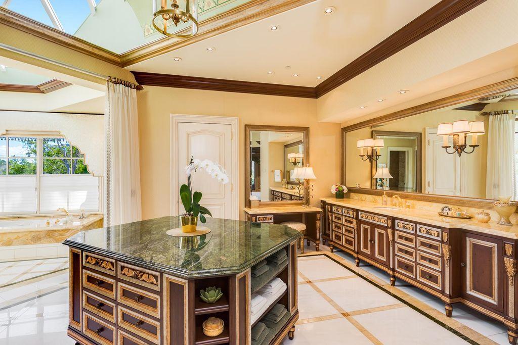 An Extraordinary Three storeys Villa in Boca Raton, Florida