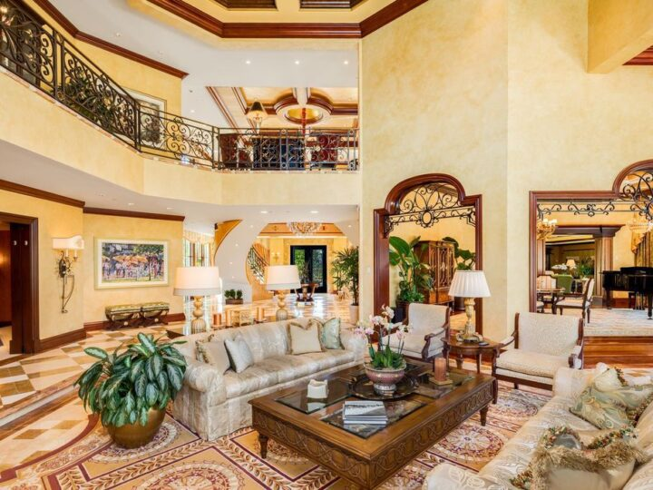 An Extraordinary Three storeys Villa in Boca Raton, Florida