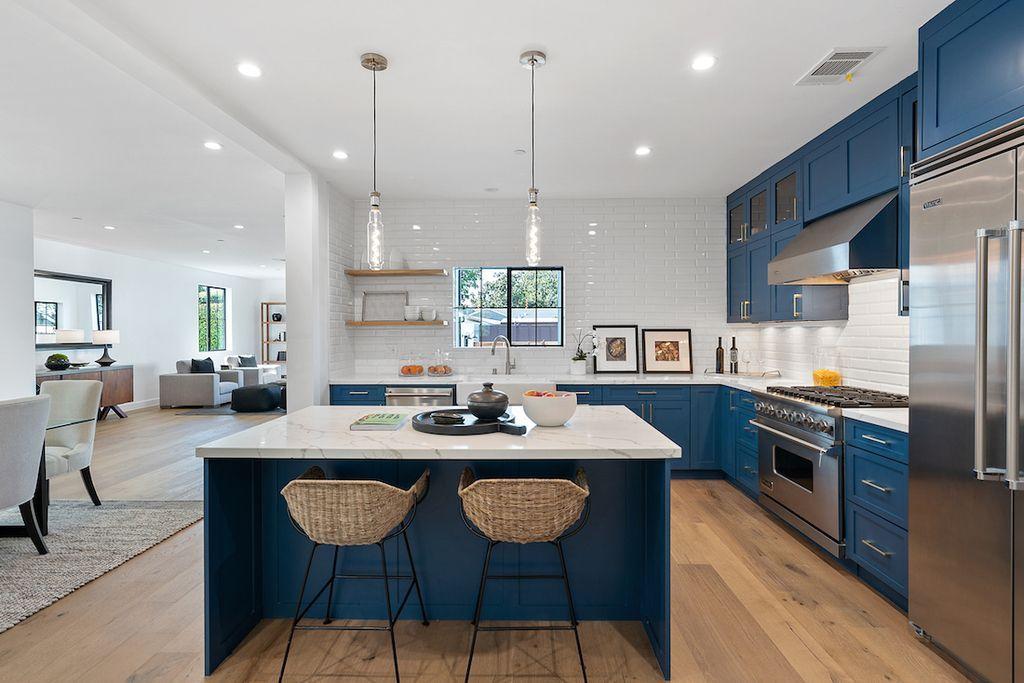 Elegant Rancho Park Transitional Interior Design by Meridith Baer Home
