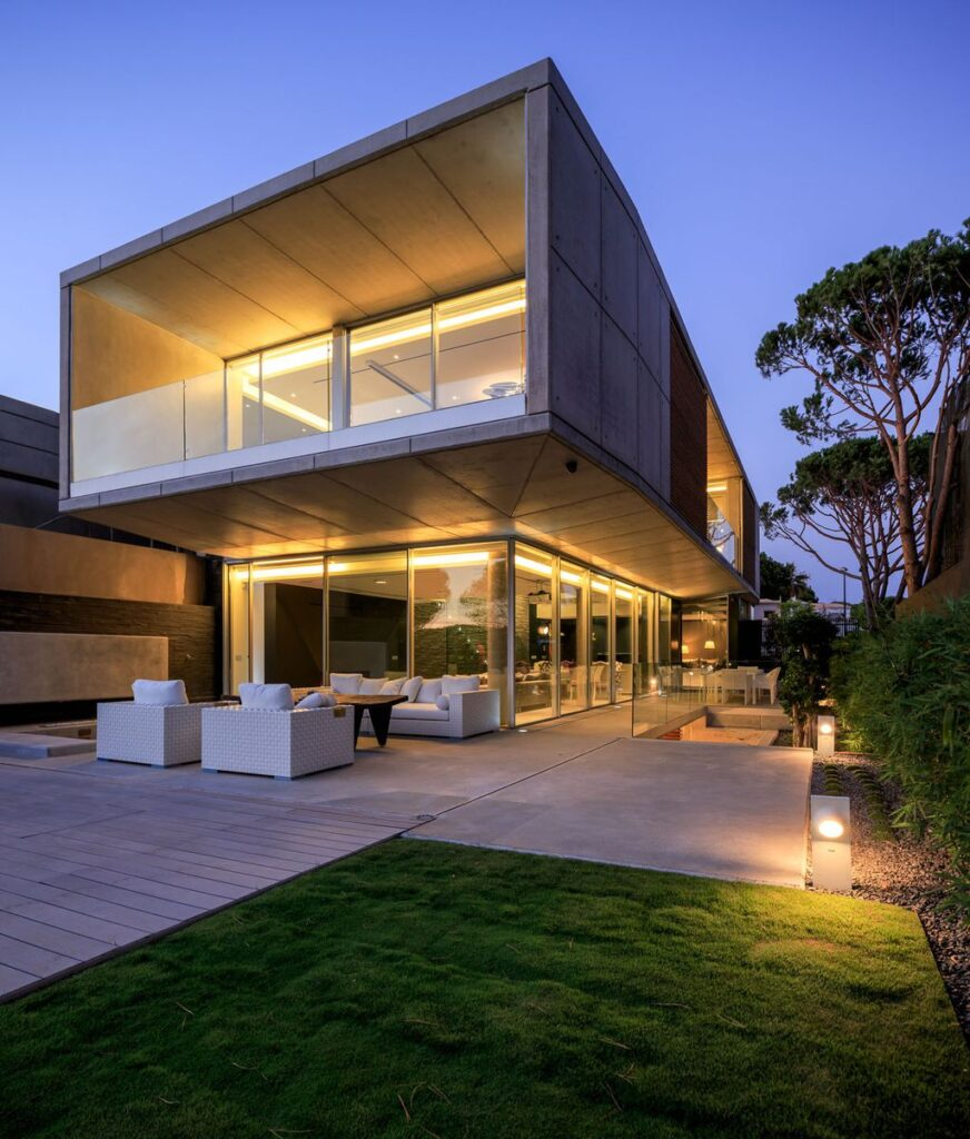 Vilamoura Villa in Portugal was designed by Arquimais Architecture and Design in Modern style offers luxurious living from finest finishes and comfortable amenities.