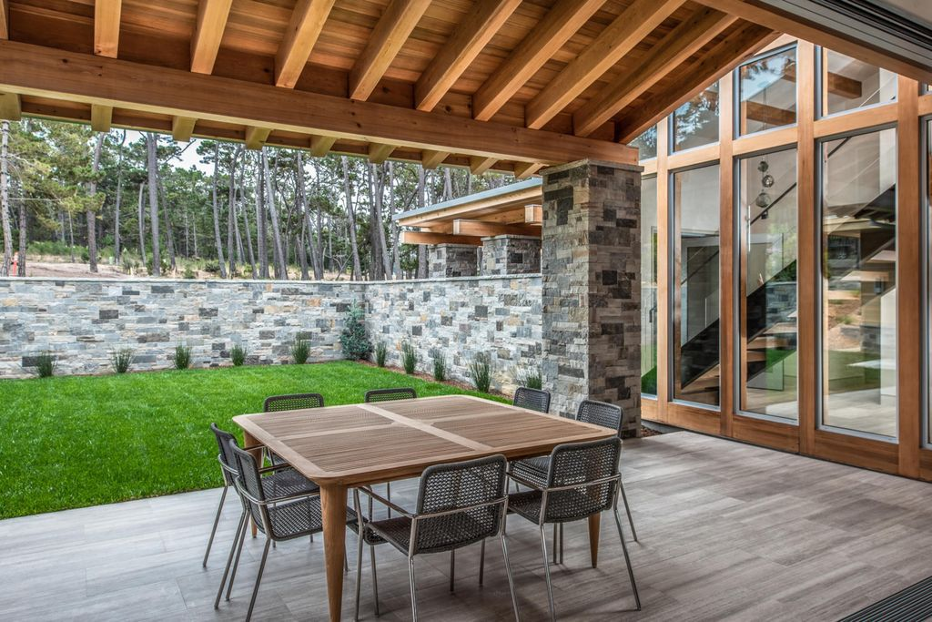 Iconic Contemporary home in California by Sterling Huddleson Architecture