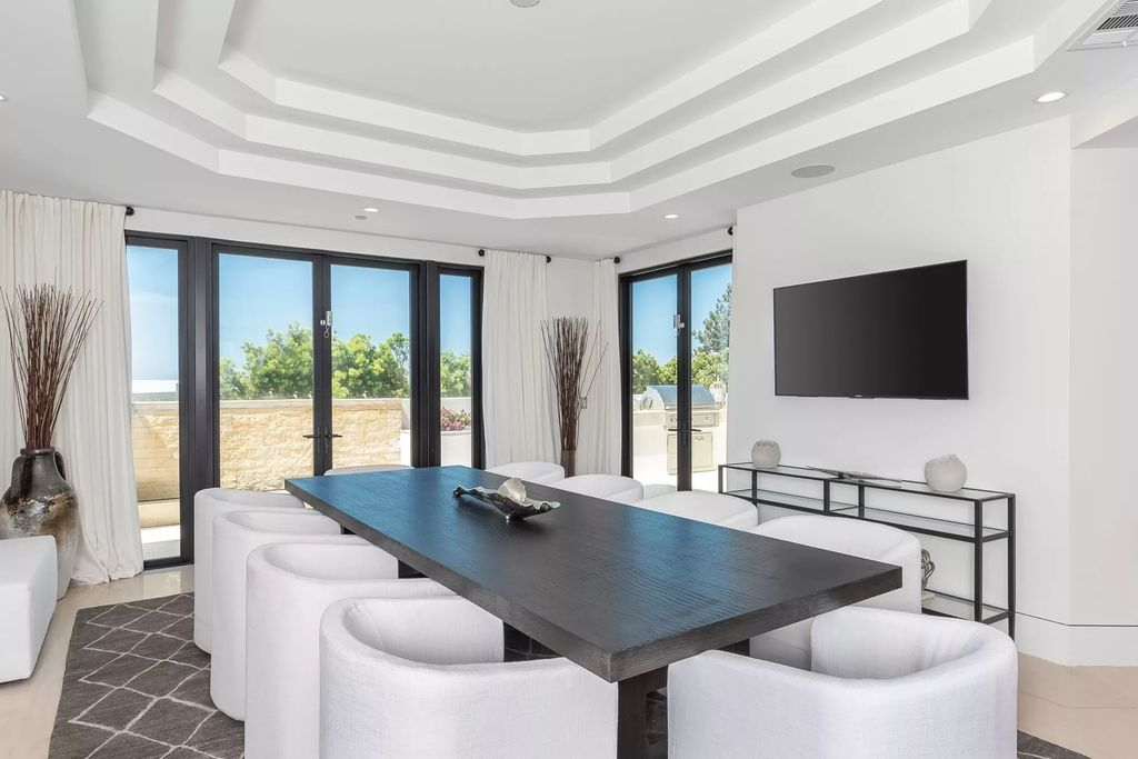 Inside Newly Constructed Oceanside house in Corona Del Mar, California
