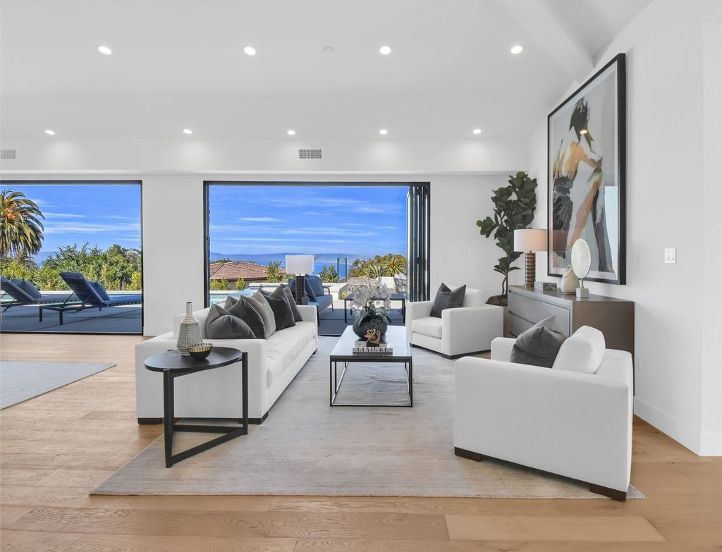The Home in Palos Verdes is a Brand new home from Esfahani Construction with wonderful views now available for sale. This home located at 905 Via Del Monte, Palos Verdes, California; offering 6 bedrooms and 7 bathrooms with over 6,000 square feet of living spaces.