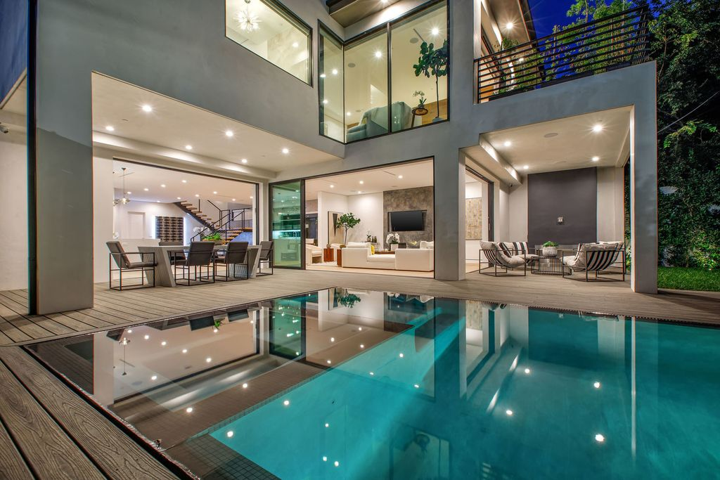 Striking New Contemporary Modern Home in Los Angeles targeting for $3,995,00