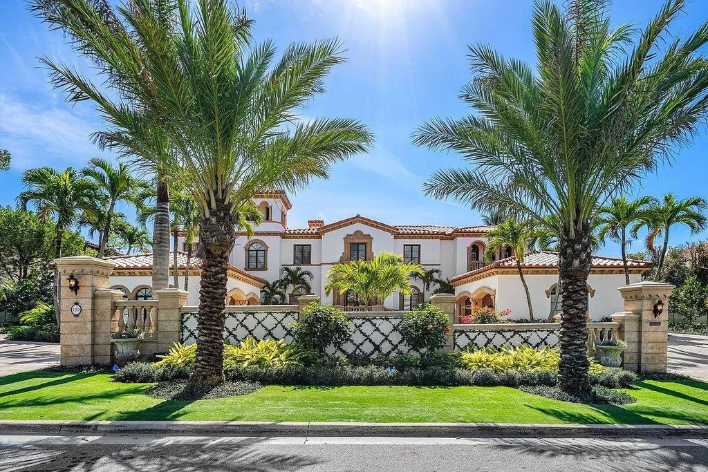 This $22,900,000 Magnificent Palm Beach Estate is Perfect for Entertaining