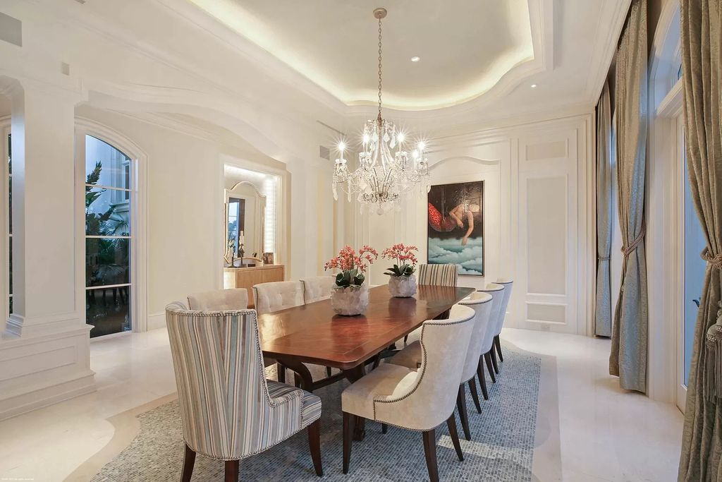 The Custom Home in Florida is a luxurious estate situated on the finest lot in prestigious Old Palm now available for sale. This home located at 11748 Bella Donna Ct, Palm Beach Gardens, Florida; offering 6 bedrooms and 9 bathrooms with over 10,000 square feet of living spaces.