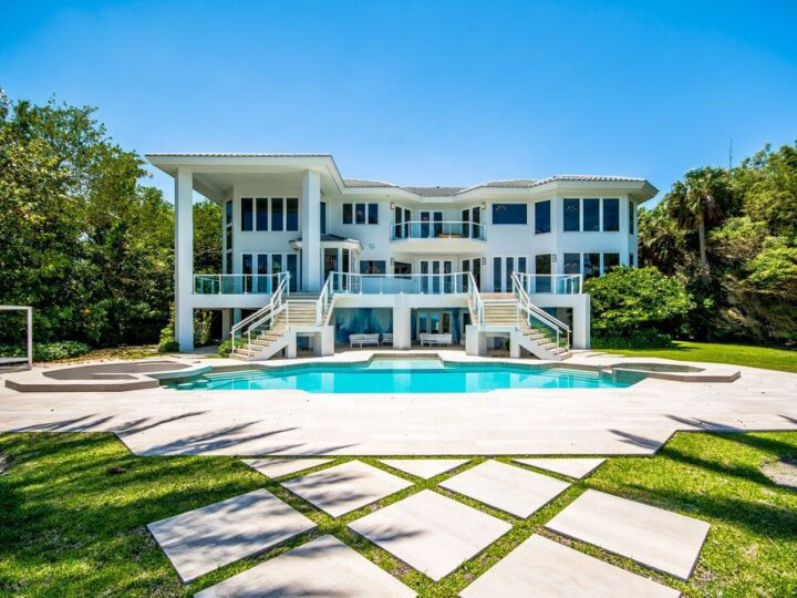 Tahiti Beach Bayfront Architecture in Coral Gables, Florida