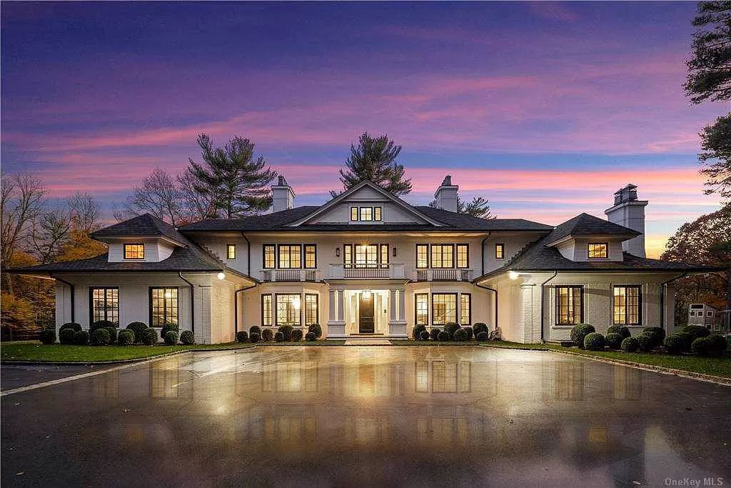 A $9,995,000 Sophisticated New York Estate in Old Westbury is A Livable Work of Art
