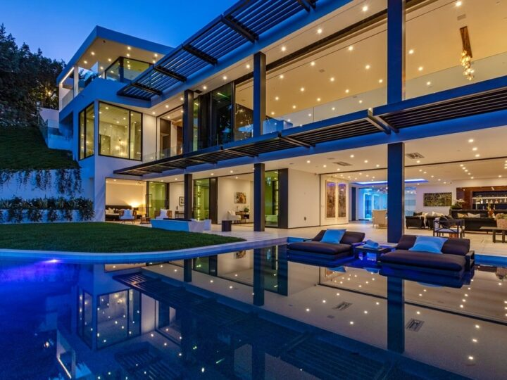 The Beverly Hills Mansion is a most special Eclipse created from triumphant modernism and Art Deco jewel box now available for sale. This home located at 9364 Beverly Crest Dr, Beverly Hills, California; offering 5 bedrooms and 8 bathrooms with over 10,000 square feet of living spaces.