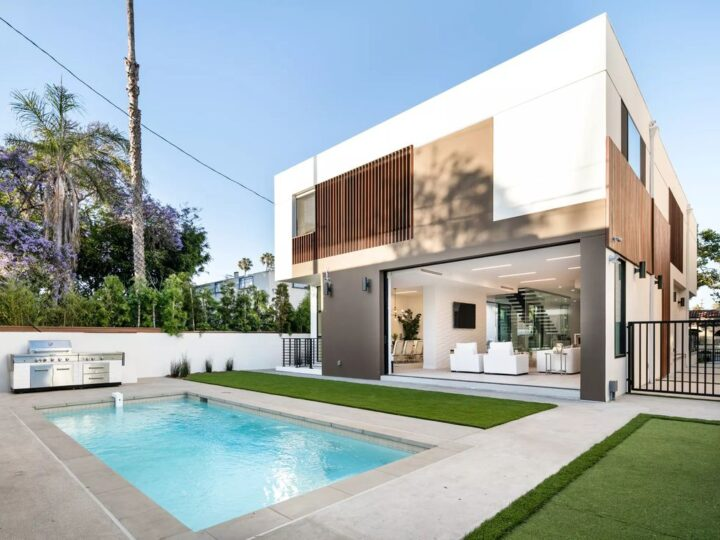Exceptional Contemporary Estate in Beverly Hills, California