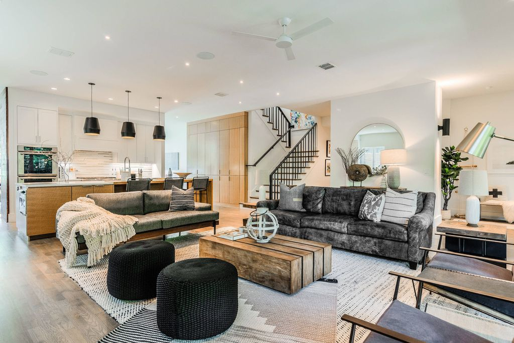 Gorgeous interiors of Lakewood Modern Home by Urbanology Designs