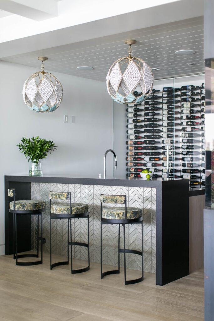 Ritzy interior design of Newport Waterfront by Blackband Design