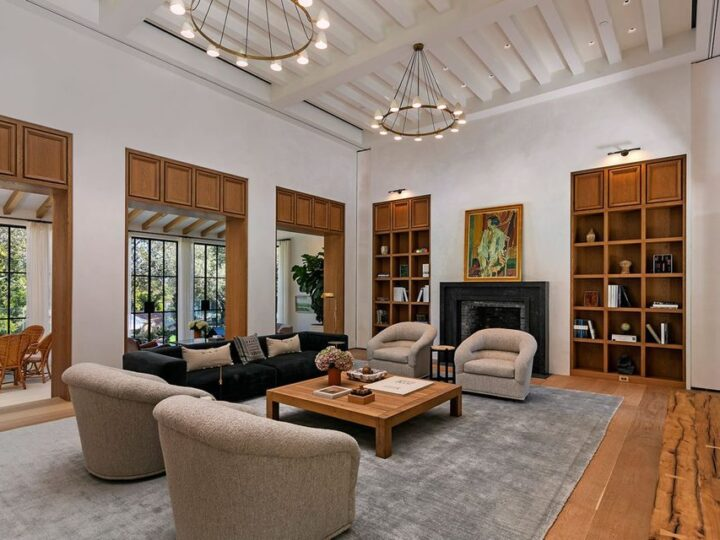 Spanish style estate in Los Angeles with unparalleled level of quality