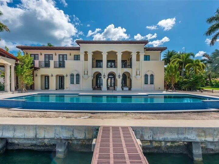 The Miami Beach Mediterranean Home is a luxurious home with the most spectacular sunset views of Downtown Miami on North Bay Road now available for sale. This home located at 4580 N Bay Rd, Miami Beach, Florida; offering 8 bedrooms and 12 bathrooms with over 12,700 square feet of living spaces.