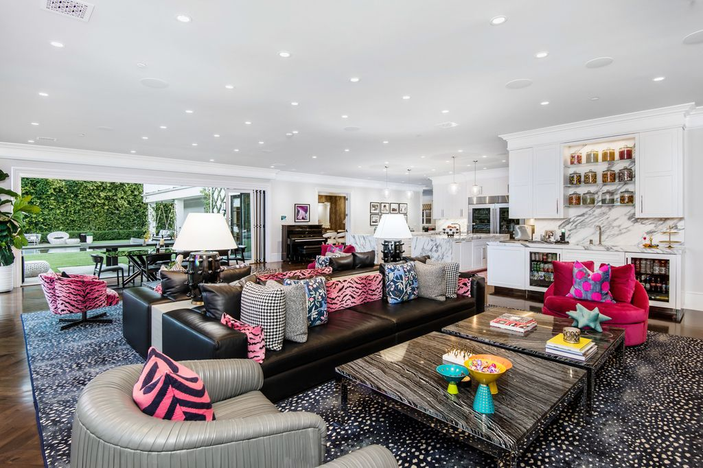 The Encino Estate is a opulent architectural masterpiece tucked behind exclusive private gates now available for sale. This home located at 4848 Encino Ave, Encino, California; offering 7 bedrooms and 9 bathrooms with over 10,500 square feet of living spaces.