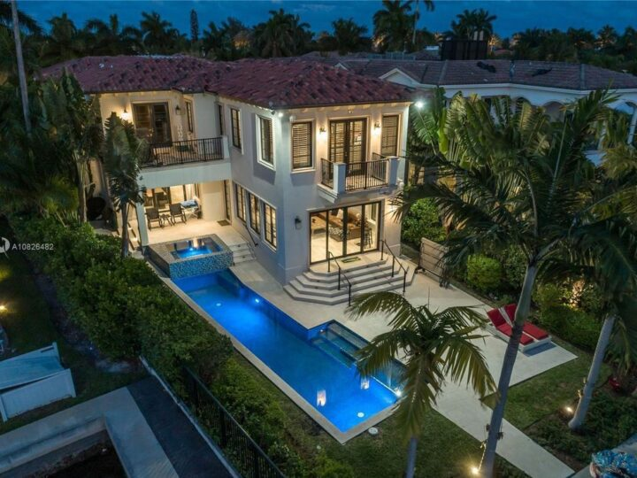The Waterfront Home is a luxurious waterfront property sits nestled between South Park, and open waterway views now available for sale. This home located at 264 S Pkwy, Golden Beach, Florida; offering 6 bedrooms and 7 bathrooms with over 5,800 square feet of living spaces.