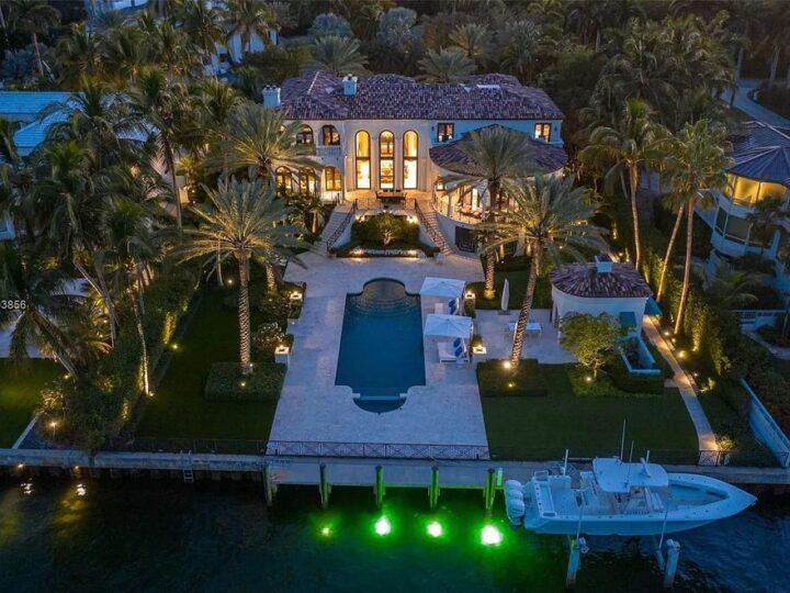 The Bayfront Mediterranean Home located behind the gates of the exclusive Tahiti Beach with the most breathtaking views in Miami now available for sale. This home located at 19 Tahiti Beach Island Rd, Coral Gables, Florida; offering 6 bedrooms and 8 bathrooms with over 9,700 square feet of living spaces.