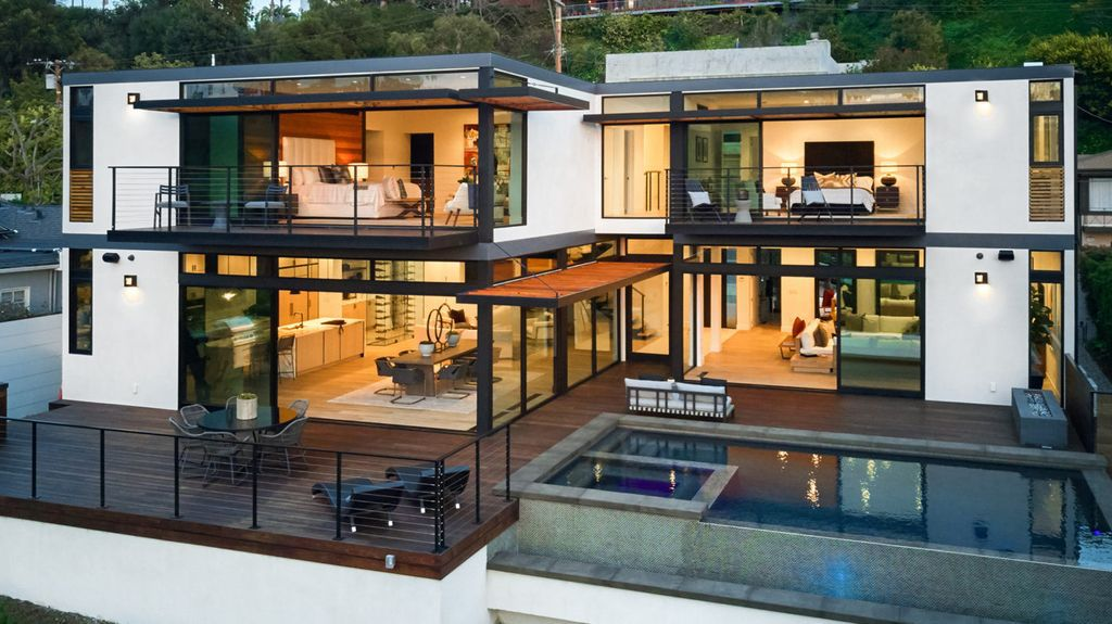 Dramatic Modernist home in California designed by talented Ray Kappe