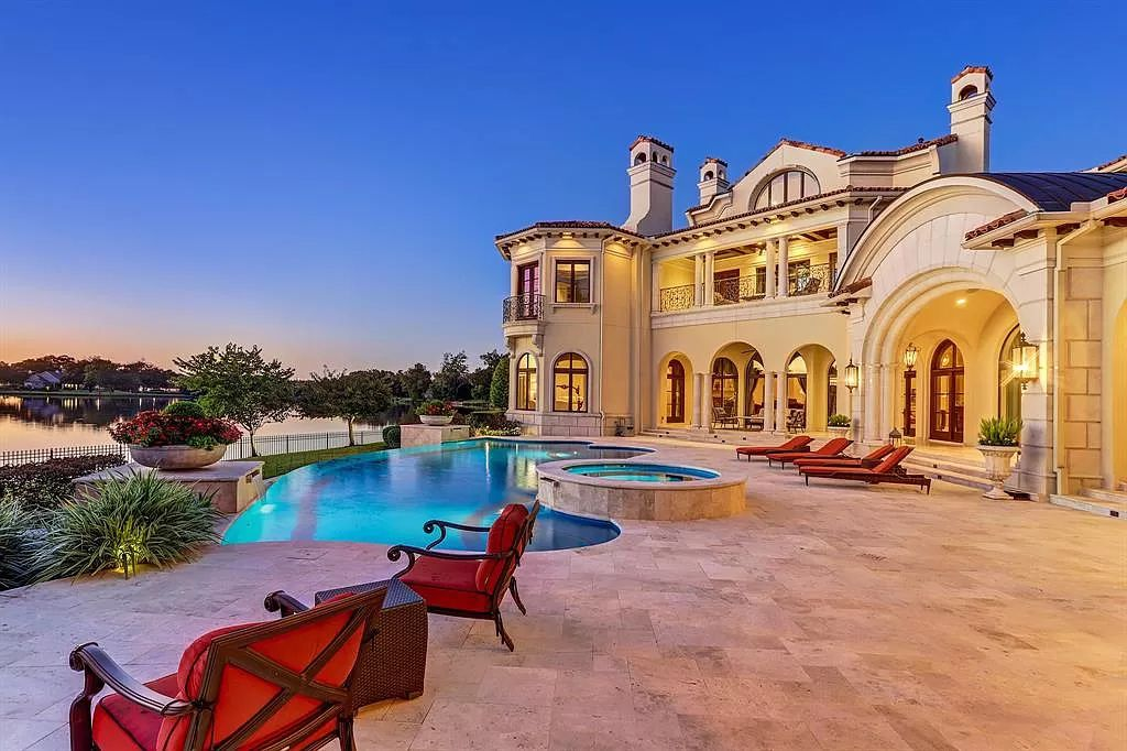 $9,850,000 Exquisite Custom Waterfront Home in Sugar Land with Picturesque Views