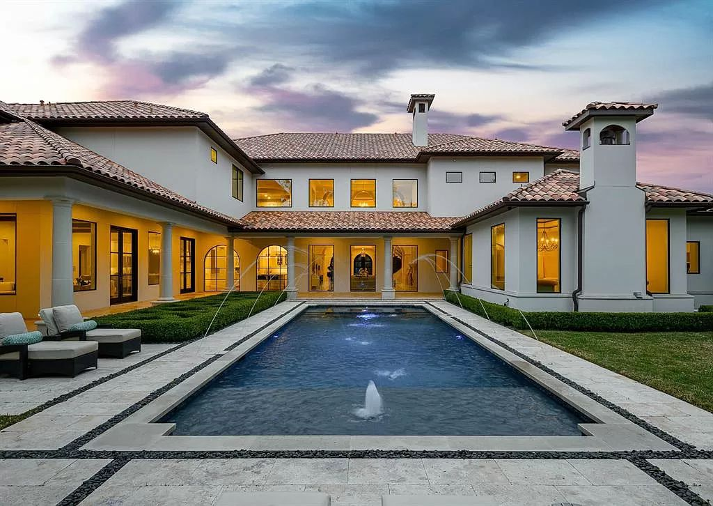 A $7,995,000 Masterfully Custom Home in Texas affords Preston Hollow Living at Its Finest