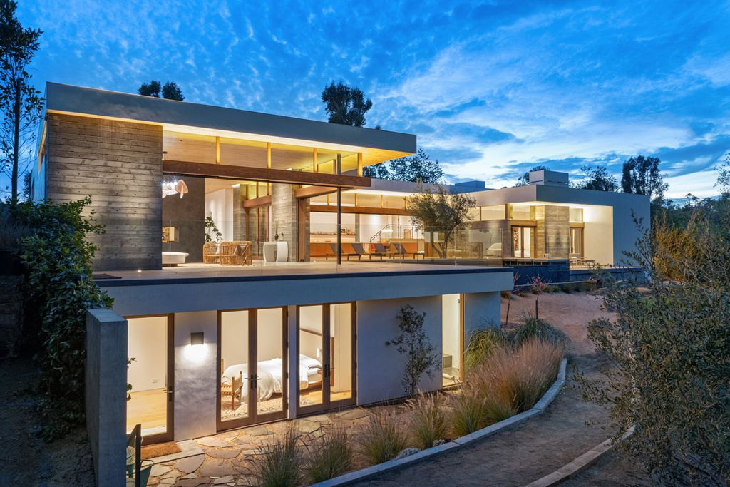 A Brand-new Contemporary Home of Exceptional Tranquility in Malibu hits the Market for $19,450,000